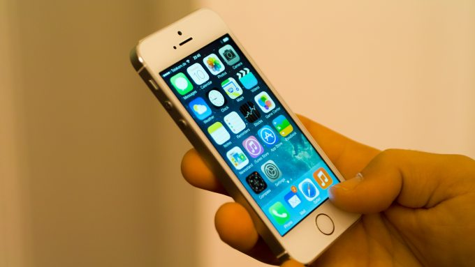 man-hinh-iphone-5s-gold