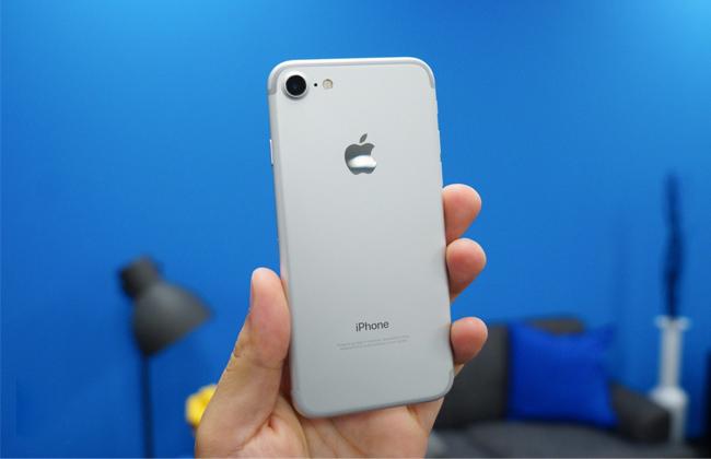 iphone-7-128gb-tren-tay-danh-gia-1