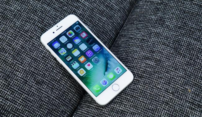 iphone-7-128gb-tren-tay-danh-gia-2