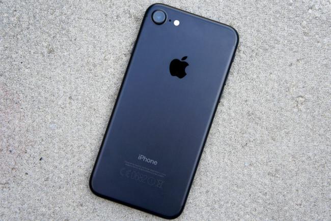 iphone-7-256gb-tren-tay-danh-gia-1