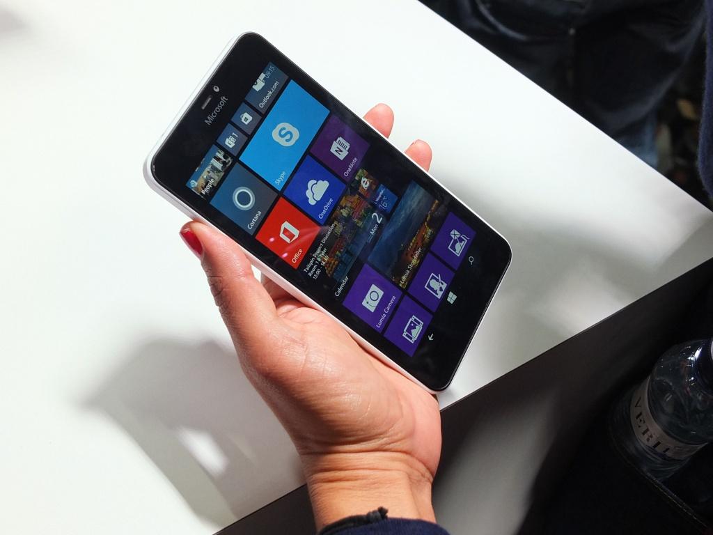 microsoft-lumia-640-xl-thiet-ke-1