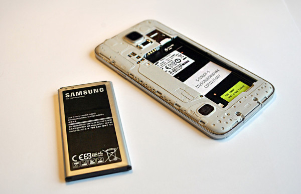 pin-samsung-galaxy-s5-xach-tay-lte-a