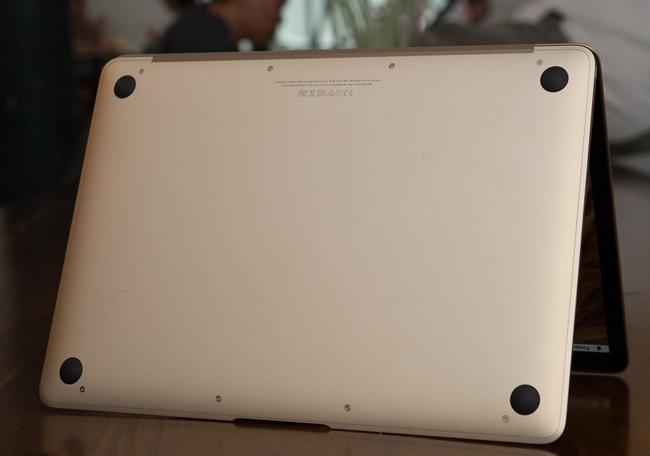 the-new-macbook-11ghz-mk4m2-gold-tren-tay-danh-gia-7