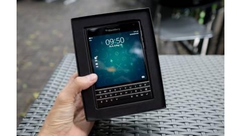 Tin hot 07/11: Blackberry Passport giá chạm đáy về mức 4.5 triệu đồng
