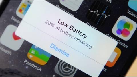 Apple xin lỗi vì làm iPhone cũ chạy chậm, giảm giá thay pin còn 29$