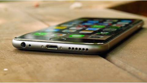iPhone 6 Lock trở lại đốt nóng phân khúc smartphone giá rẻ