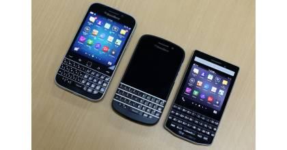 Bộ 3 điện thoại BlackBerry kiểu dáng truyền thống