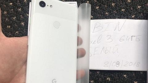 Google Pixel 3 XL rò rỉ hình ảnh thực tế cùng tai nghe USB-C Pixel Buds