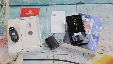 Mở hộp Nokia X6 2018 đầu tiên ở TP.HCM, giá 6.4 triệu đồng tại Đức Huy Mobile