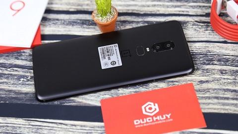6 lý do nên mua OnePlus 6 giá rẻ thay vì iPhone X cao cấp