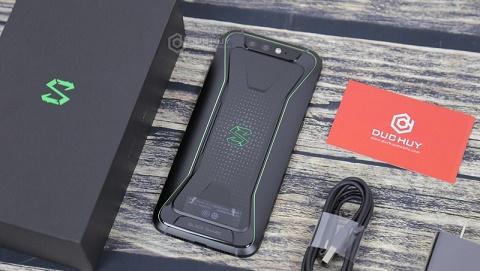 Mở hộp Xiaomi Black Shark, quái vật chơi game tại Đức Huy Mobile