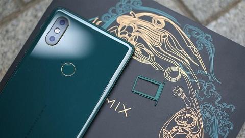 Mở hộp Xiaomi Mi Mix 2s xanh ngọc lục bảo đầu tiên, giá 13.5 triệu