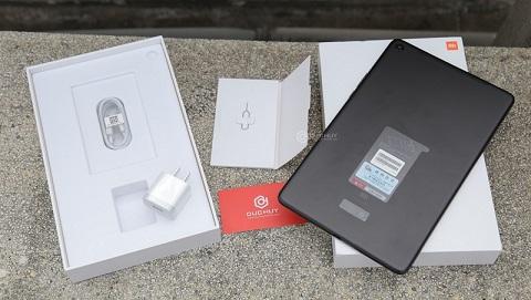 Đập hộp Xiaomi Mi Pad 4 Plus đầu tiên về TP.HCM tại Đức Huy Mobile
