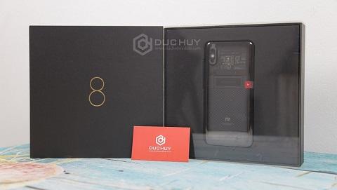 Mở hộp Xiaomi Mi8 Explorer Edition đầu tiên về TP.HCM tại Đức Huy Mobile