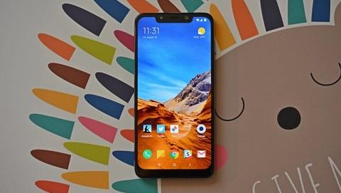 Chọn Xiaomi Pocophone F1 hay Mi8 trong tầm giá 8 đến 9 triệu đồng