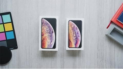 Đập hộp iPhone Xs Max bản thương mại đầu tiên trên thế giới