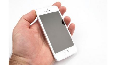 So sánh chi tiết giữa iPhone 5S và HTC Desire EYE