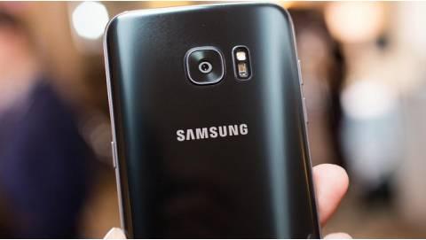 Samsung Galaxy C10 sở hữu camera kép, trợ lý ảo Bixby siêu ấn tượng