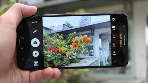 Bộ 3 smartphone Samsung dòng J rủ nhau khuấy đảo thị trường