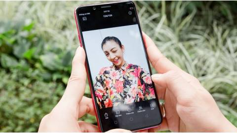 Top 3 smartphone selfie giá rẻ lung linh đón Noel