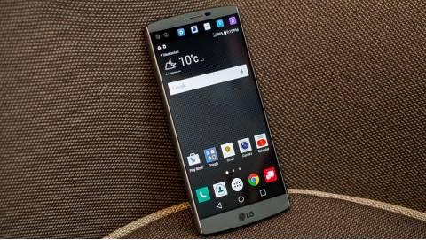 Đọ sức ba đối thủ đáng gờm nhất của LG V10 trong cùng tầm giá