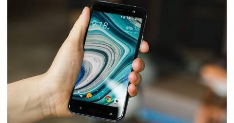 Ngắm HTC U11 tỏa sáng với tính năng Edge Sense từ video