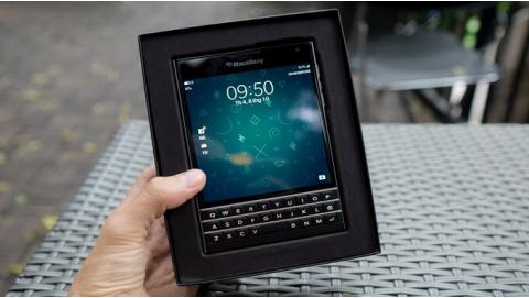 Hướng dẫn sử dụng bàn phím Blackberry Passport cho người mới dùng?