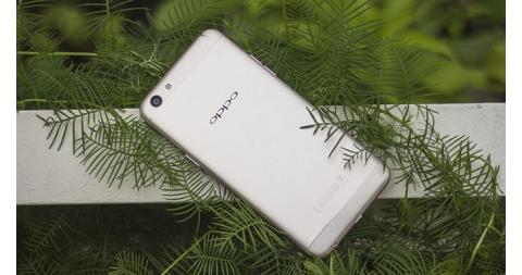 Chuyên gia selfie Oppo F3 – RAM 4GB, giá 7.490.000 đồng