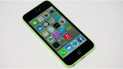 iPhone 5C 16GB gây bão lớn trong cộng đồng iFan, giá chỉ 2,5 triệu