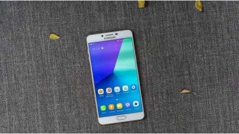 Đánh giá Samsung Galaxy C9 Pro: smartphone RAM 6GB đáng mua