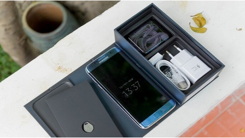 Samsung Galaxy S7 Edge giảm nửa giá, có nên mua không?