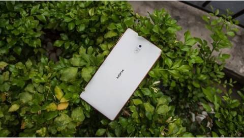 Trên tay Nokia 3: Sự trở lại của một huyền thoại