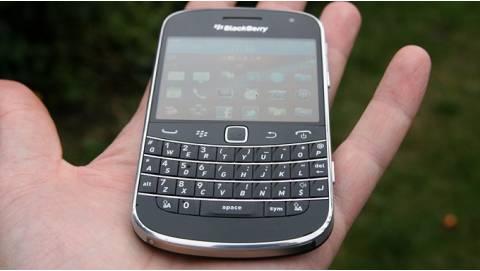 Đánh giá Blackberry 9900 Bold giá rẻ - Trải nghiệm phổ thông
