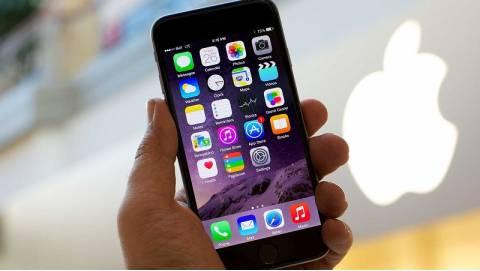 Làm sao để sống sót với iPhone 16GB?