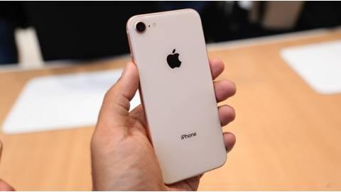 Mua iPhone 8 Lock xách tay Nhật, Mỹ cũ, mới giá bao nhiêu?