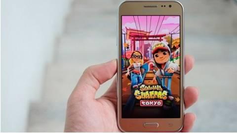 Cận cảnh Samsung Galaxy J2 - Smartphone giá rẻ, pin tốt