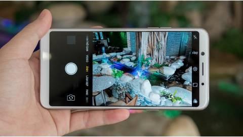 Thích smartphone camera 16MP, mua máy nào giá 5-7 triệu?