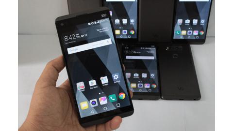 LG V30 cũng sẽ sử dụng màn hình cong OLED
