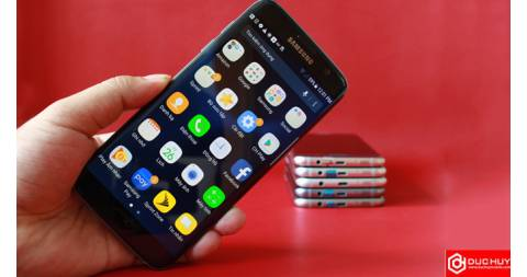 So sánh Samsung Galaxy S7 Edge Mỹ và bản 2 sim: mèo nào cắn mỉu nào?