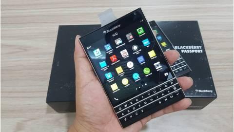 Tất cả những điều cần biết về Blackberry Passport, giá 5.59 triệu