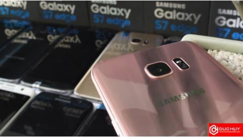 Thích smartphone camera cao cấp, mua Galaxy S7 Edge hay Xperia XZ?