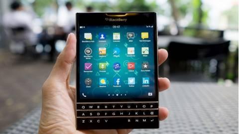 Blackberry Passport đại hạ giá, về mức 6 triệu khuấy động thị trường