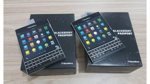 Blackberry Passport giảm giá khi đang hot, về mức 5 triệu đồng