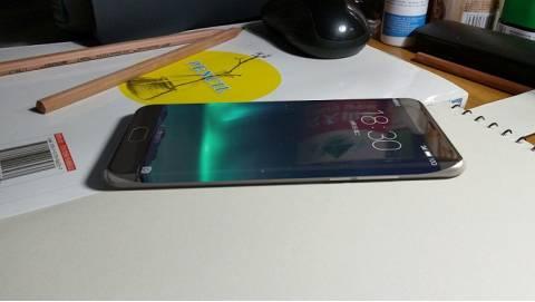 Meizu Pro 6 Plus lộ diện: Màn hình cong 2 cạnh, RAM 4GB