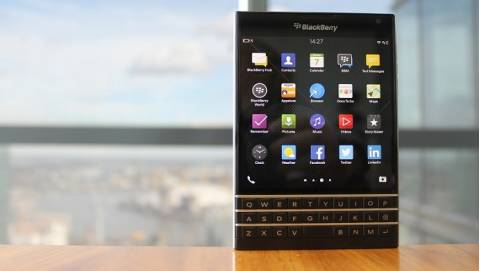 4 Ưu điểm khiến Blackberry Passport hút khách ở tầm giá 5.59 triệu