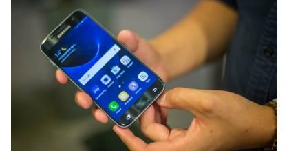 Note 7 gặp sự cố, Samsung giảm giá S7, S7 Edge níu chân người dùng
