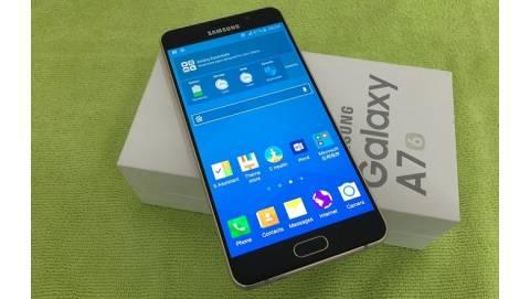 """Samsung Galaxy A7 2016 """"qua mặt"""" nhiều ông lớn trong tầm giá 6 triệu"""