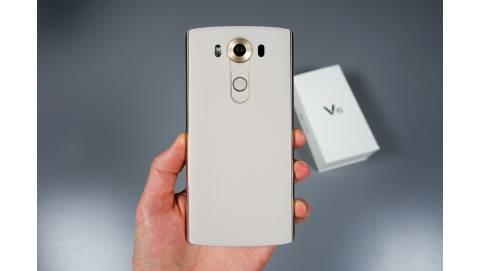 LG V10, Samsung Galaxy S6 đồng loạt về giá 6 triệu