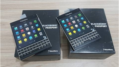 Đập hộp Blackberry Passport giá 5.59 triệu tại Duchuymobile.com