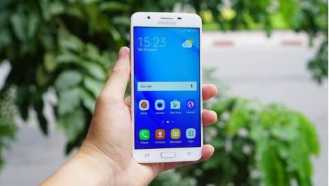 Tầm giá 6 triệu, chọn smartphone nào làm quà 20/10?